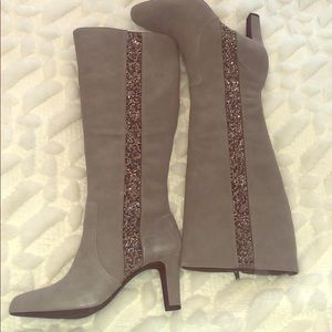 Beautiful brand new boots perfect for fall!